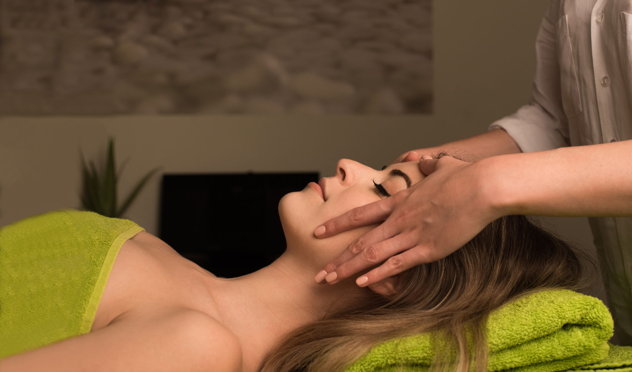 Relaxing Facial Extended